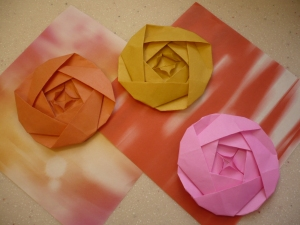 40 Origami Flowers You Can Do | Cuded | 225x300
